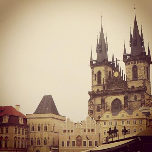 Euro beer run - Prague old town square