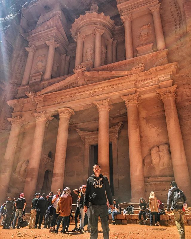 Throwback Tuesday to magnificent Petra. Recommend to visit. Definitely do not recommend to run up and down the cliffs and all the way to the Monastery and back in about three hours 🏃🏻‍♂️💨