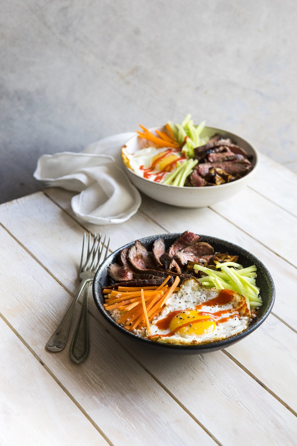 THE EASY 5-INGREDIENT KETOGENIC DIET COOKBOOK RECIPE: STEAK AND EGG BIBIMBAP