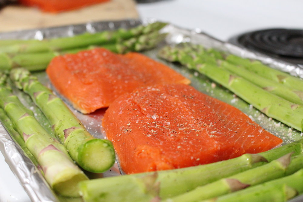keto salmon and asparagus