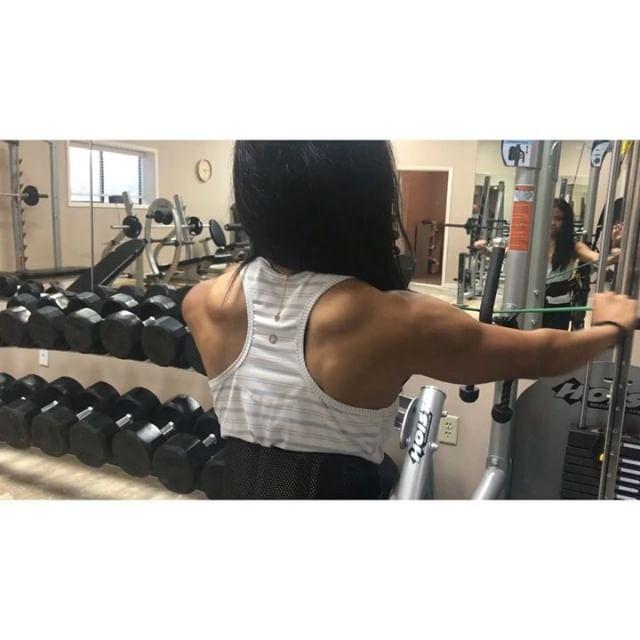 Next week is peak week!!!! @nikkifit94 @heatherbennetttraining #laketravis #lakeway #lakewaytx #lakewaytexas #hudsonbend #austin #austintx #atx #austintrainer #austinfitness #texas #texasfitfam #austintexas #onlinecoach #onlinecoaching #onlinenutrition #npc #npcbikini #bikini #bikinicompetitor #bikinicompetition #workout #personaltrainer #austinfitness #shoulders #shoulderworkout