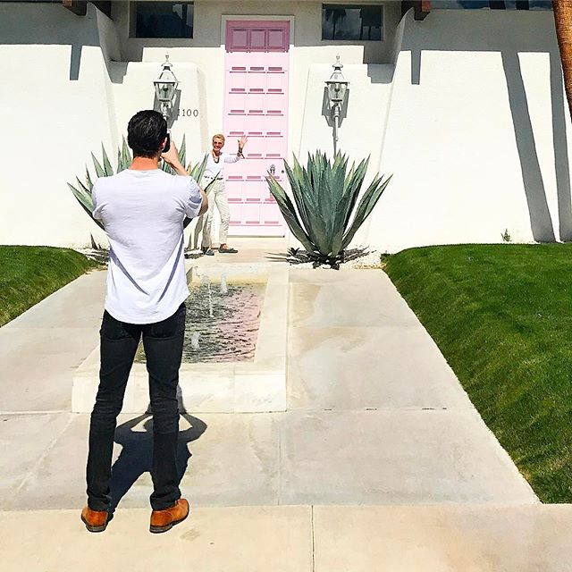 @thatpinkdoor is getting some SERIOUS insta-action today on the @palmspringsstyle #doortour #meta