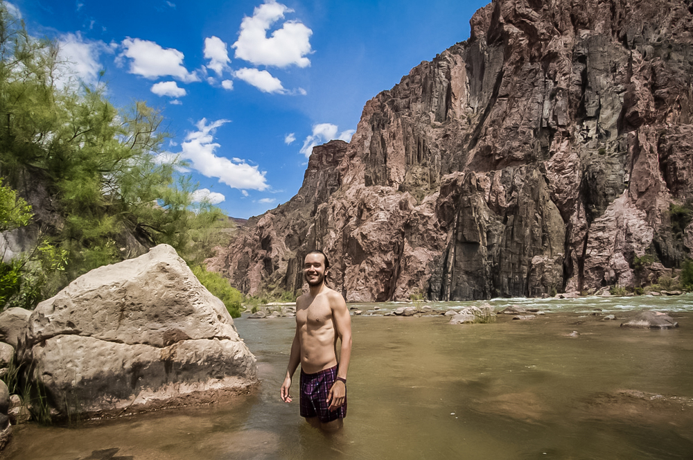Nadando no Colorado - Swimming at Colorado River