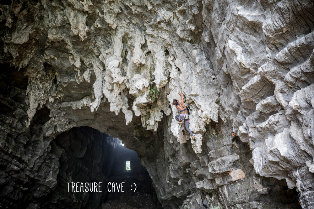 Frieda climbing in Treasure's Cave, 6a+, Yangshuo