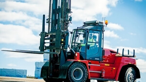 Norlift offers new forklifts, yard tractors, and other equipment in Portland, Oregon, and the greater Oregon and Washington areas. This photo depicts a new Kalmar lift truck.
