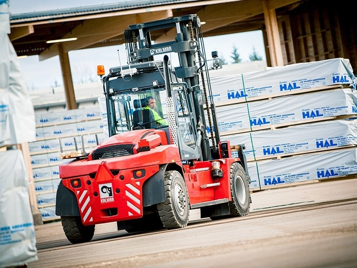 image_equipment_forklifts_dcg90_180_20140325_7.jpg