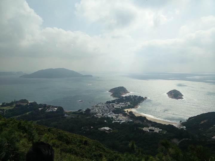 360 view of the island from the top of Dragon's Back trail.