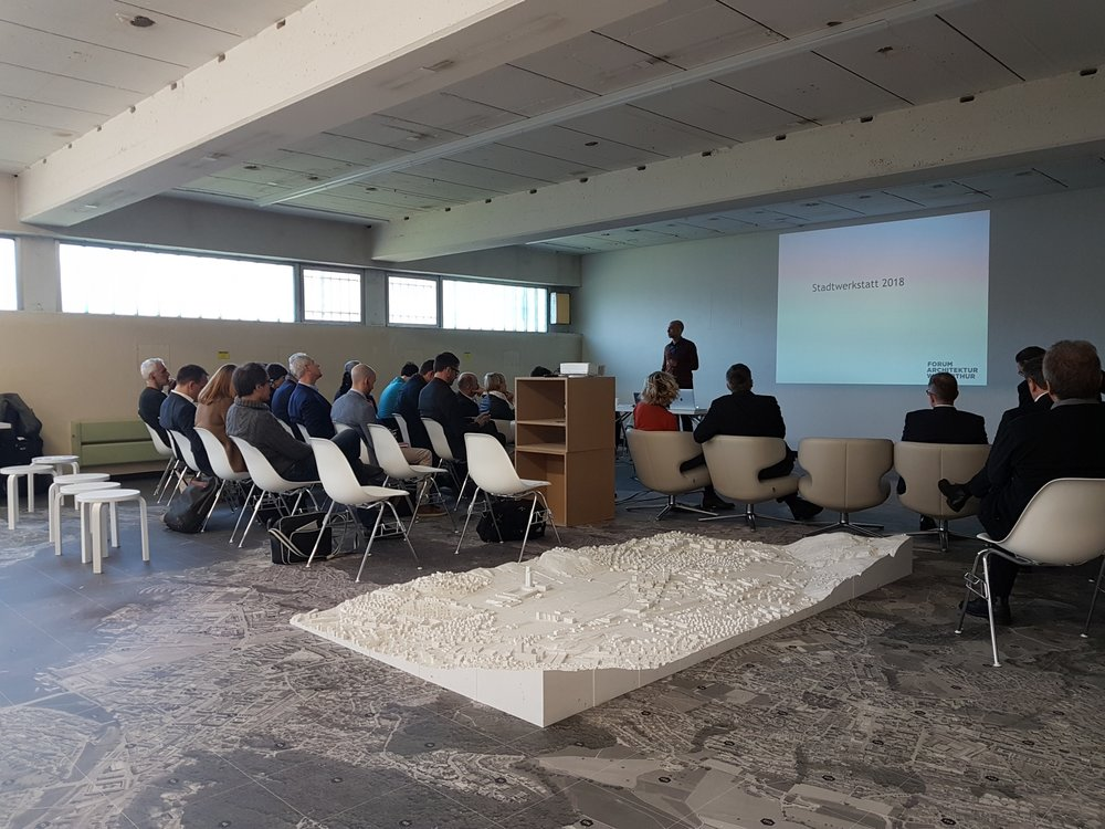 Podium und Vorträge im Laboratorium an der Sternmattstrasse 3