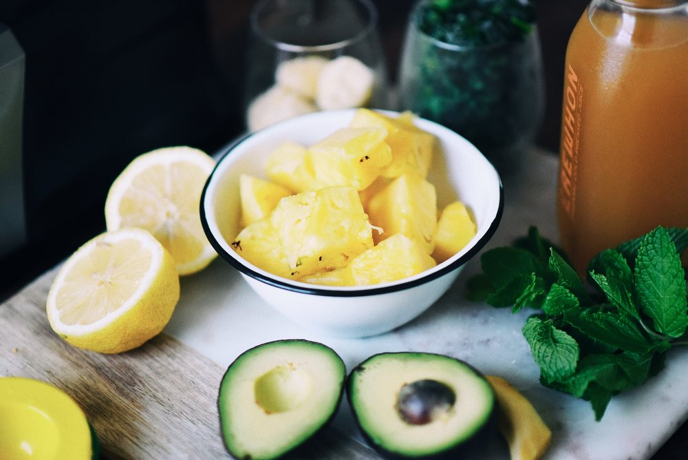 wellness-refreshing-mint-avocado-green-smoothie-03.JPG