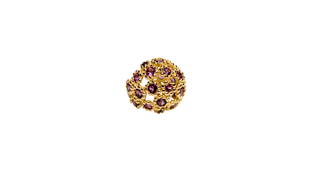 Bague dôme, tourmaline rose et or jaune 18 carats.