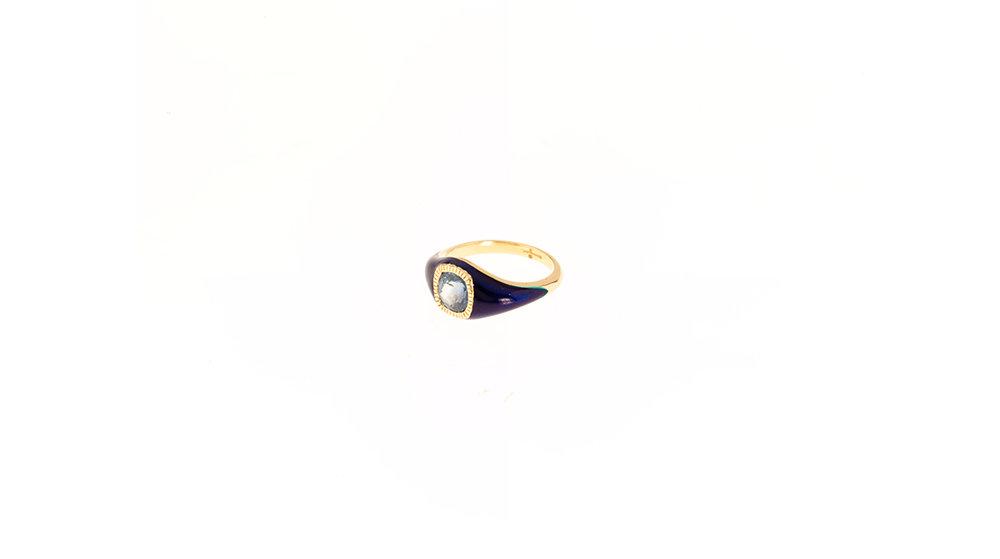 Bague laqué bleu marine, or jaune 18k. et saphir bleu