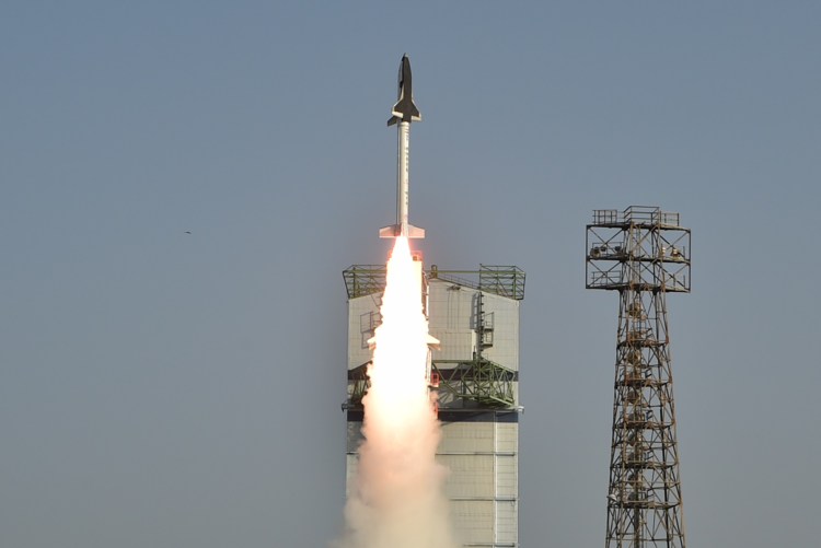On May 23, 2016 local time, India launched the first test flight of its Reusable Launch Vehicle Technology Demonstrator, a winged, unmanned spacecraft that resembles a miniature space shuttle. Credit: Indian Space Research Organisation