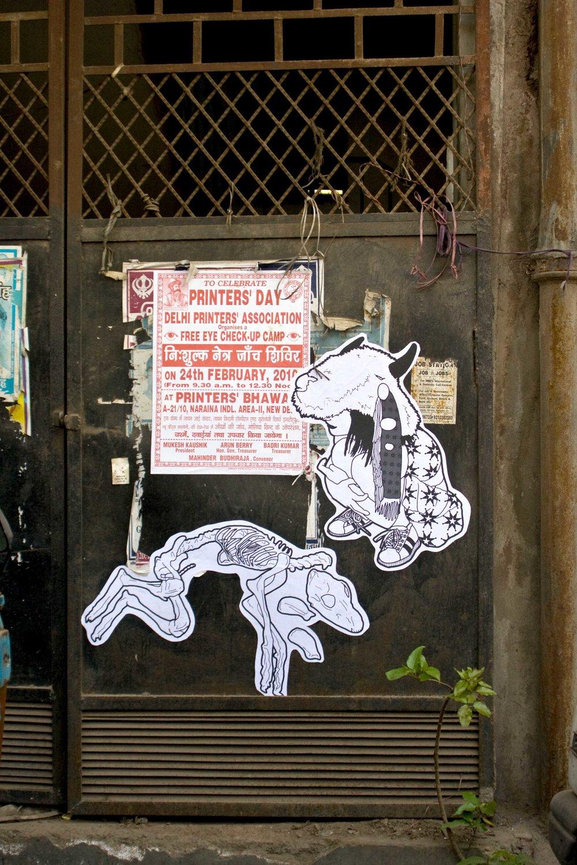 15.buffalogirlcrouches.jpg