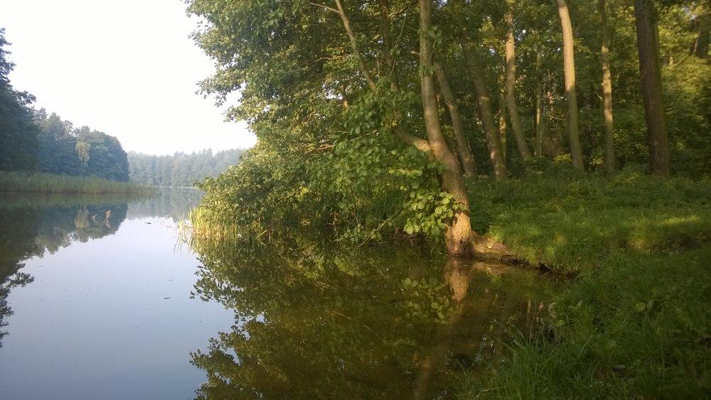 Spędź długi weekend nad tym jeziorem w Starych Jabłonkach!