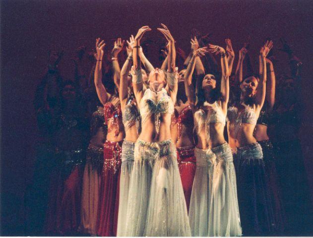 gudrun danse orientale spectacle.JPG
