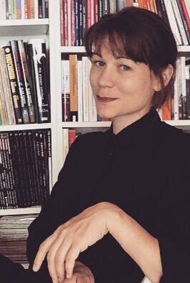 Sabrina Bundi ist Journalistin und Comicautorin.