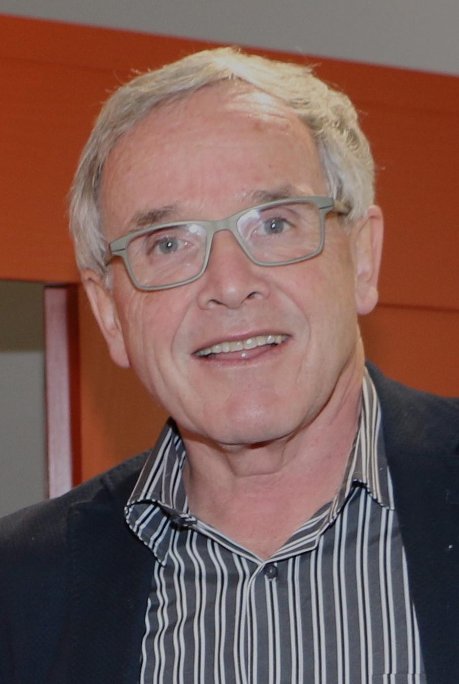 Peter Flury ist pensionierter Arzt und arbeitet Teilzeit am Medizinischen Zentrum «Gleis d» in Chur.