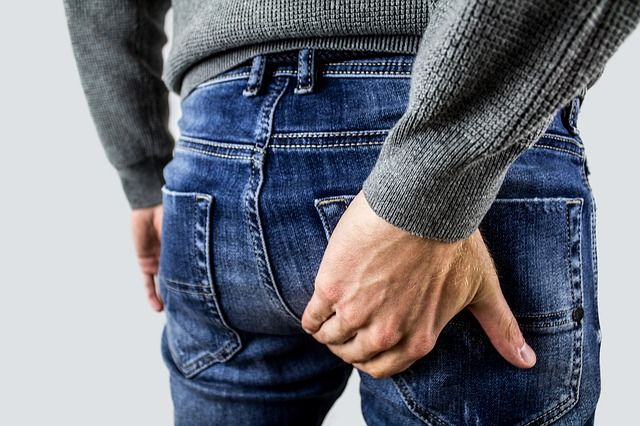 resisting urge to poop can cause constipation