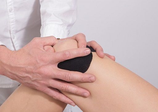 Physical therapy for dislocated knee