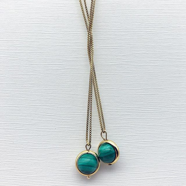 """Giving each other energy? Did you know that Malachite is the """" energy stone""""  that promotes deep energy and growth. Our Malachite Stone Pendant is a powerful necklace to wear ! #forgood #meandemforgood #malachite #jewelryforeveryday #energy"""