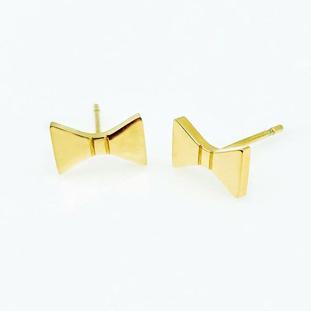 Bow ties are not only for black tie events.... you can wear them anywhere and any day, even on a regular Monday! #meandemforgood #forgood #bowties #earrings #everydayjewelry