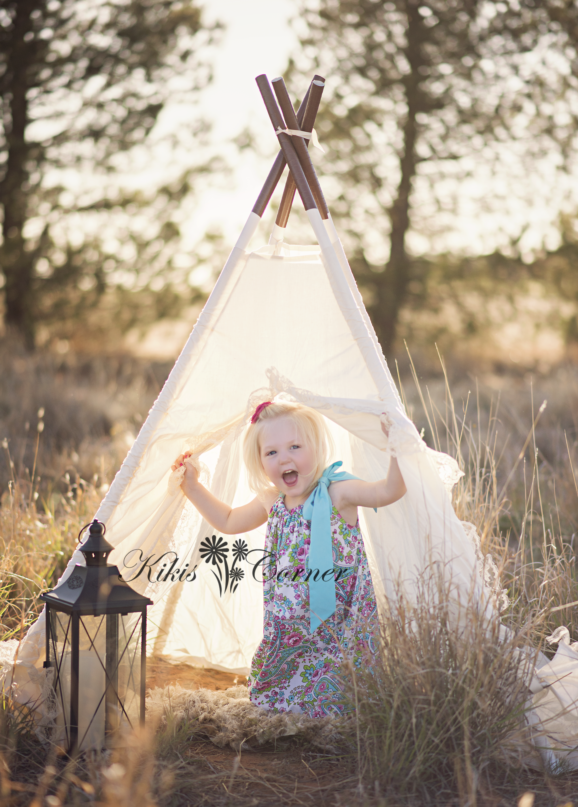 teepee, golden sunlight, child photography