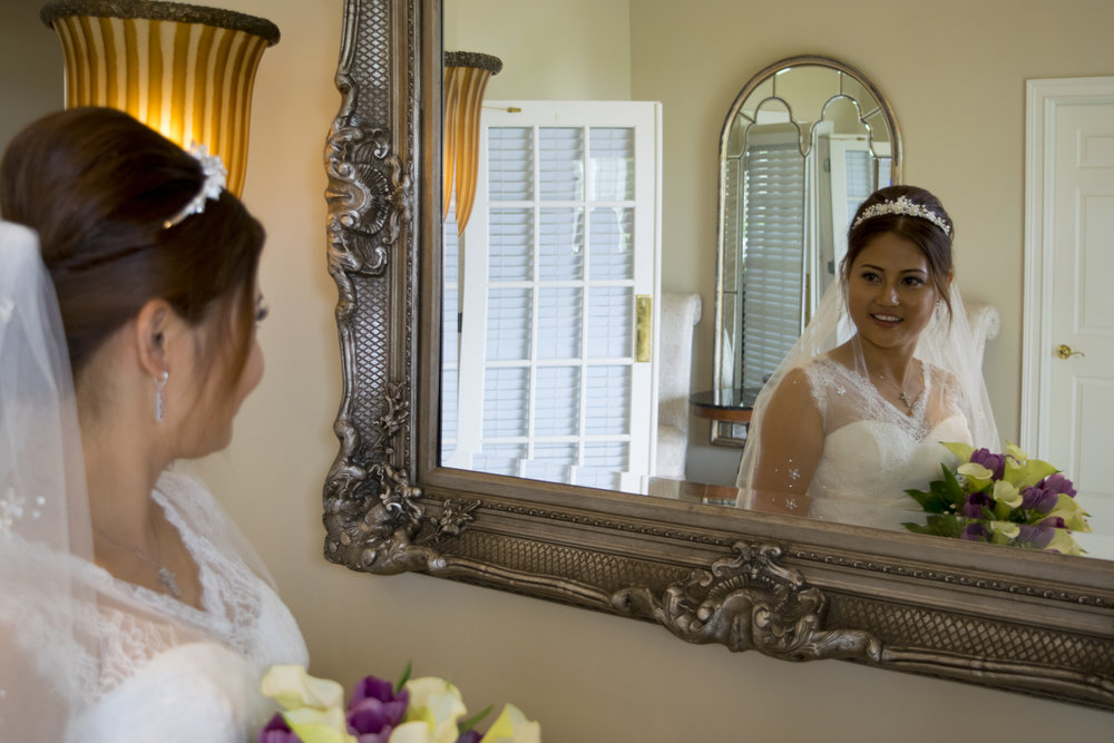 30003 bride and mirror.jpg