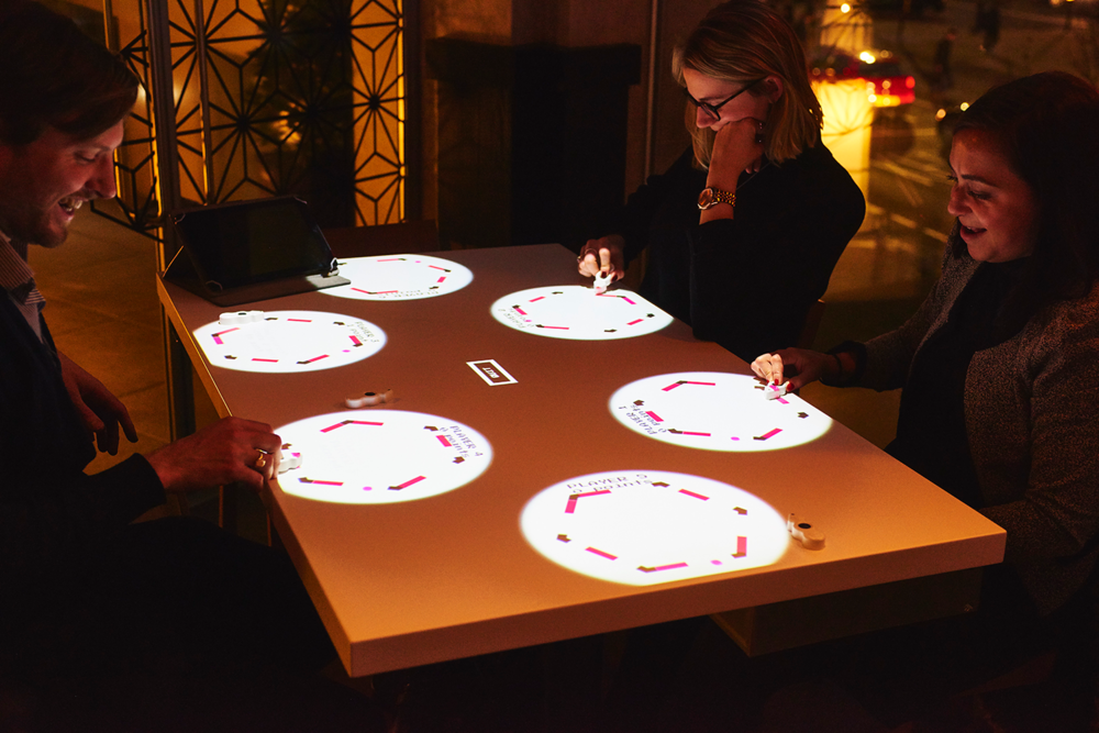 Guests can also play games, such as pong, memory and puzzles.