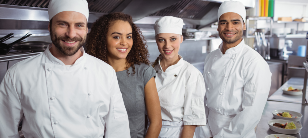 Restaurant operators should teach their restaurant staff like family