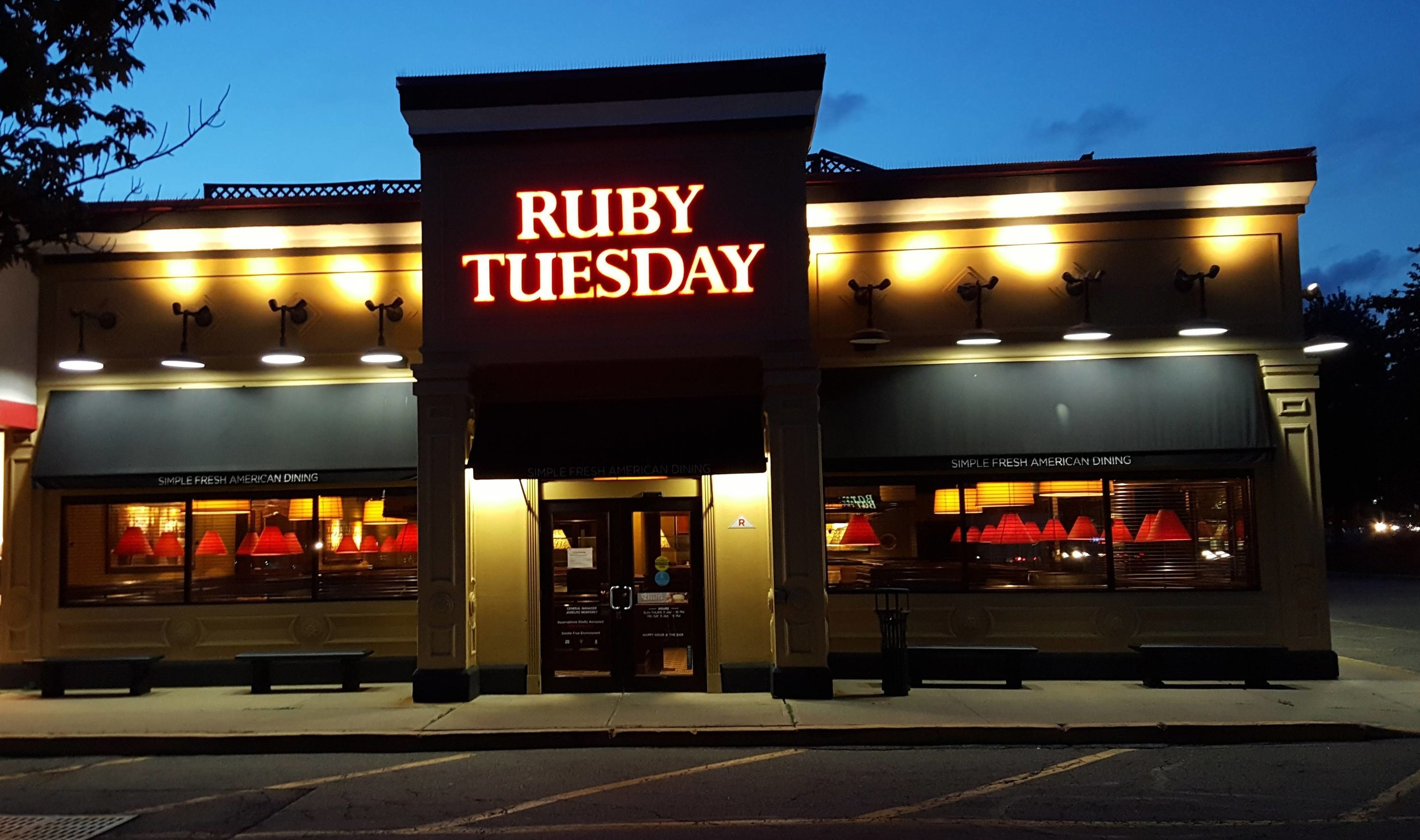 the daily rail ruby tuesday s sold to a private equity firm the rail rh therail media Ruby Tuesday Uniform Ruby Tuesday Coupons