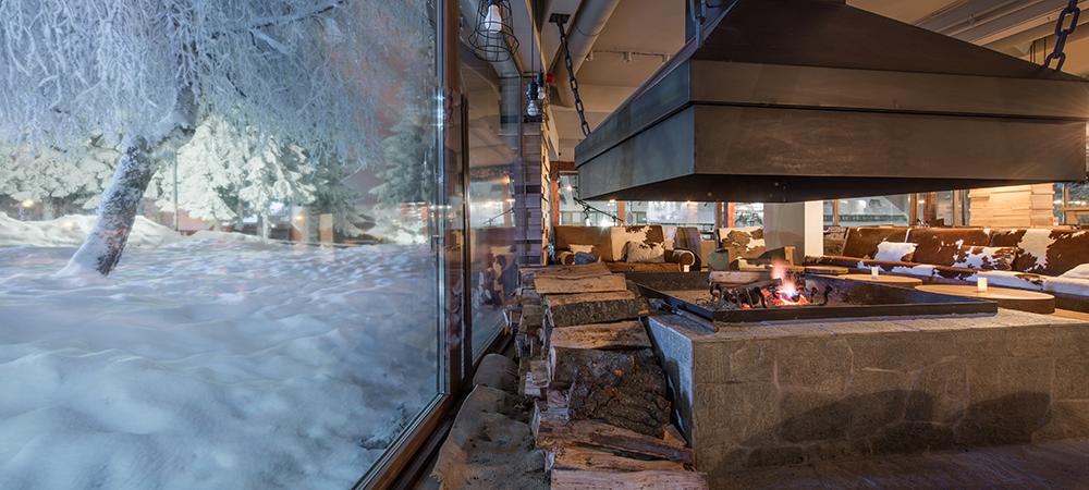 Restaurant winter building maintenance.