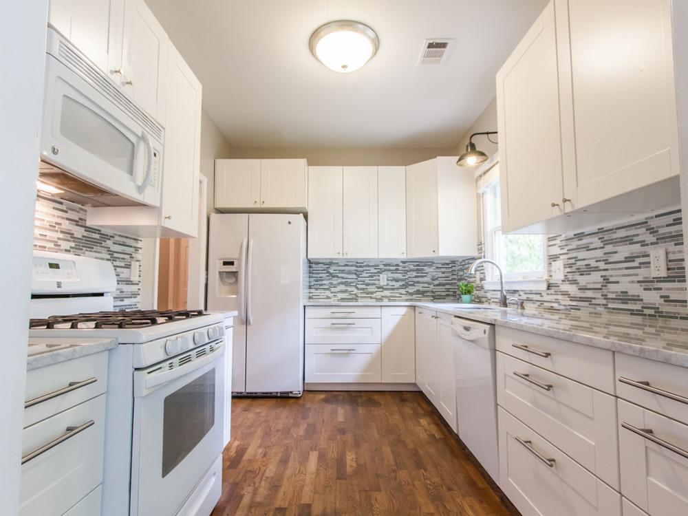 2089 College-Kitchen 1.jpg