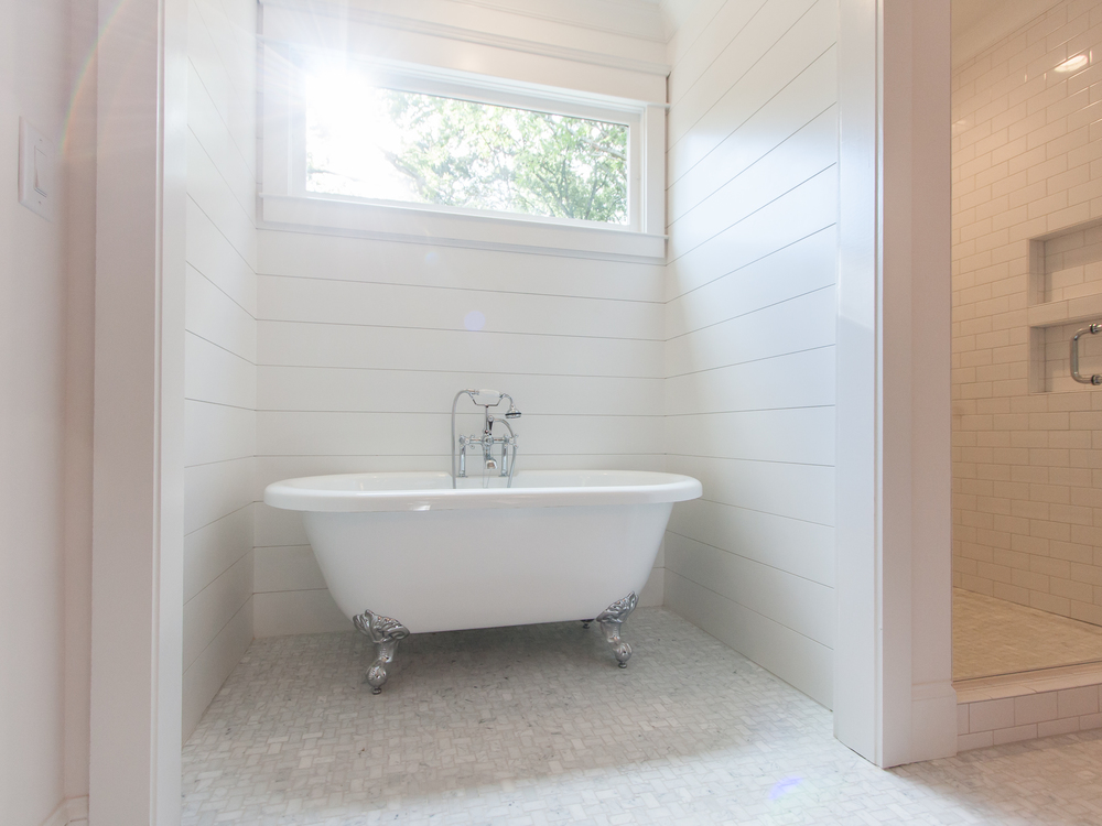 116 5th Ave Master Bath Tub.jpg