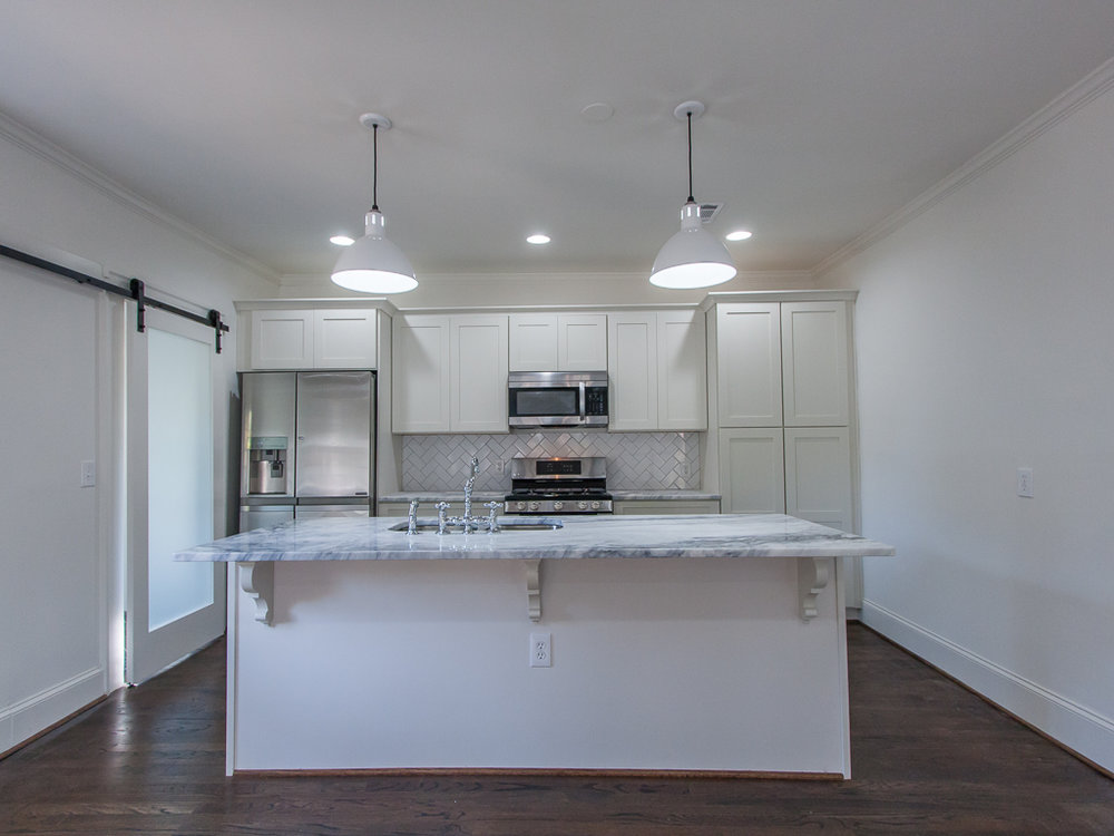 220 Warren-Kitchen 1.jpg