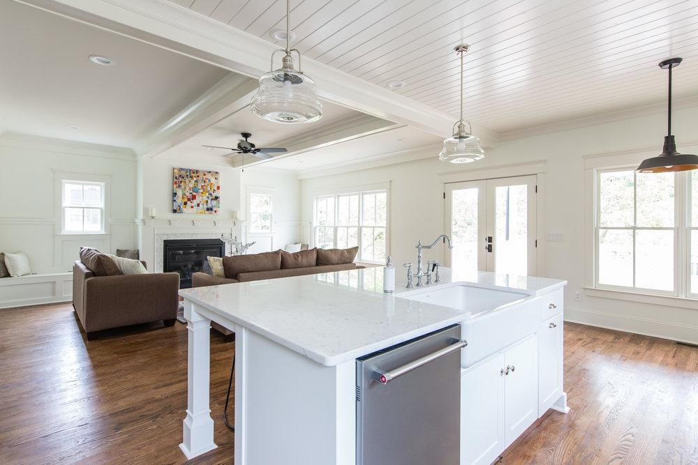 303 Melrose-Kitchen 4.jpg