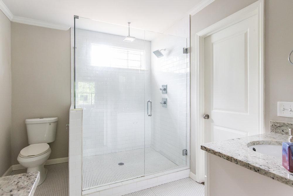 2837 Tupelo-Master Bath 2.jpg