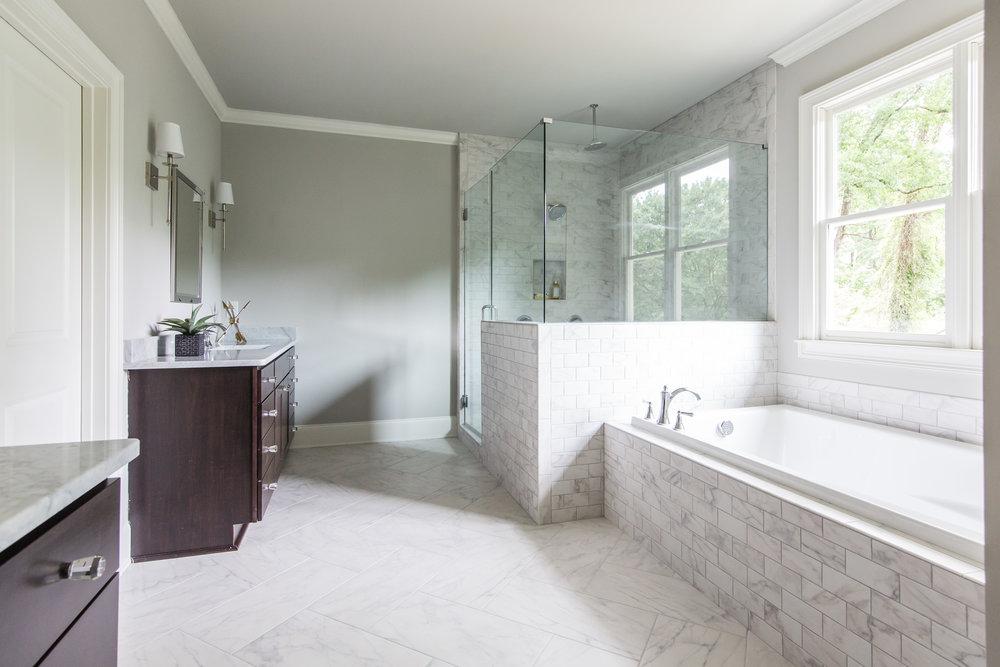 2140 Delano-Master Bath.jpg