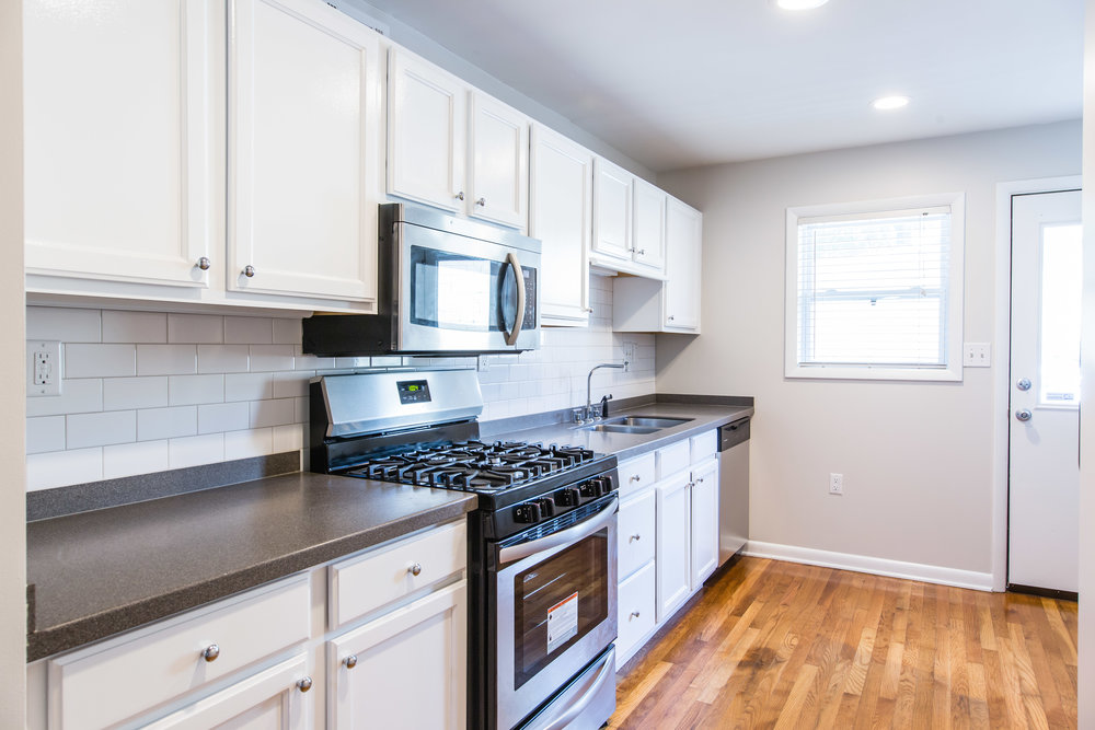 575 Flat Shoals Unit 9-Kitchen 1a.jpg