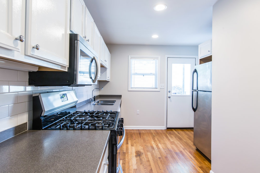 575 Flat Shoals Unit 9-Kitchen 3a.jpg