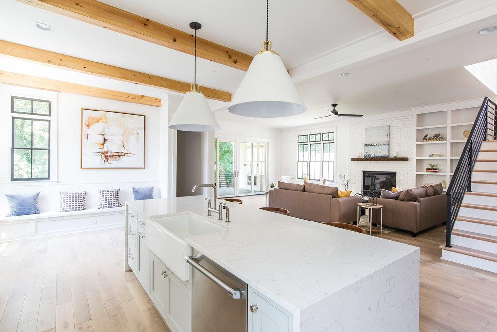 726 Hillpine-Kitchen 3.jpg