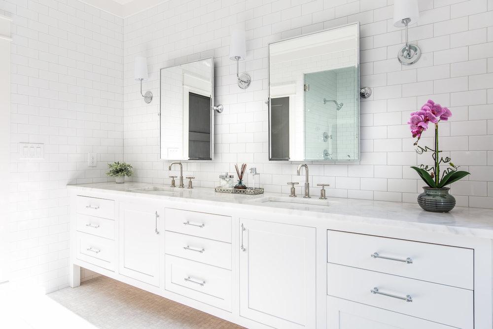 726 Hillpine-Master Bath Vanity.jpg