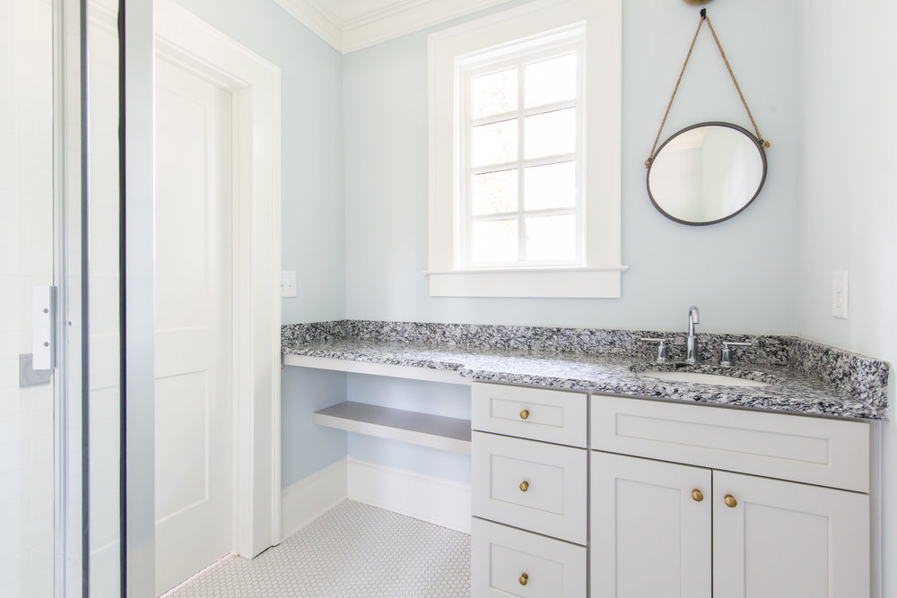 640 E Morningside-Bath 1b.jpg
