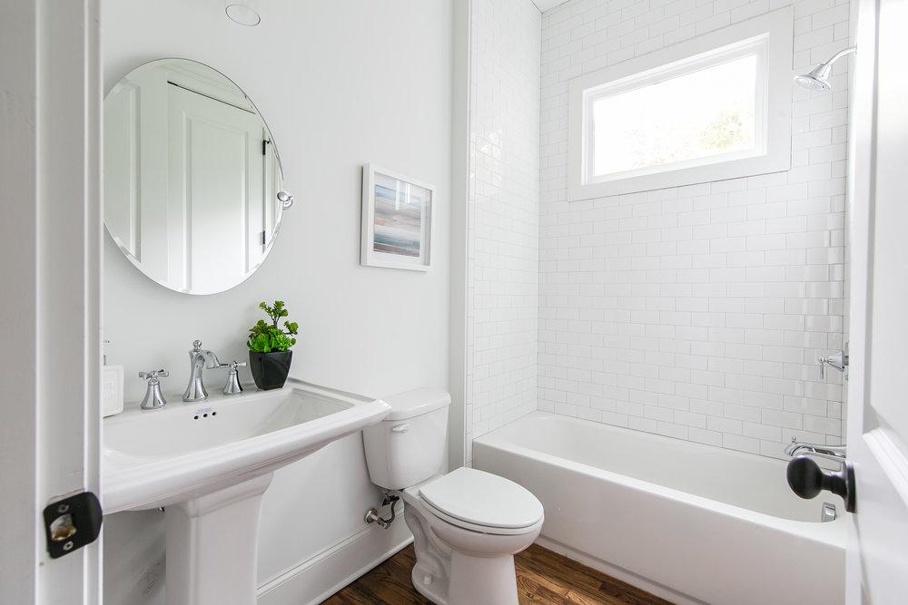 2256 Ridgedale-Guest Bath.jpg