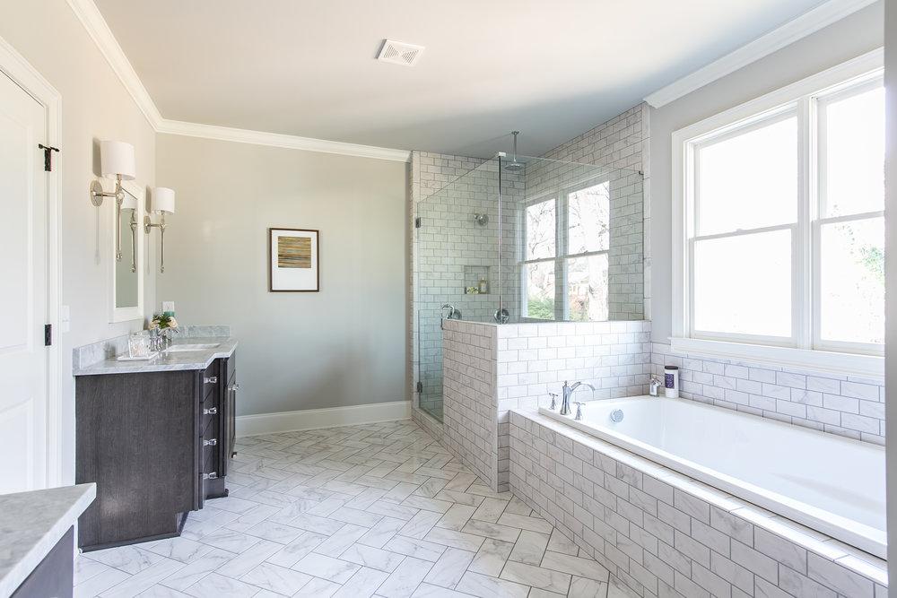 252 Rockyford-Master Bath 2.jpg