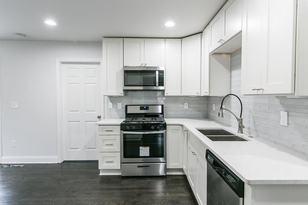 2046 E Camellia-Kitchen 1.jpg