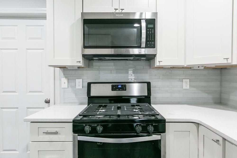 2046 E Camellia-Kitchen Stove.jpg