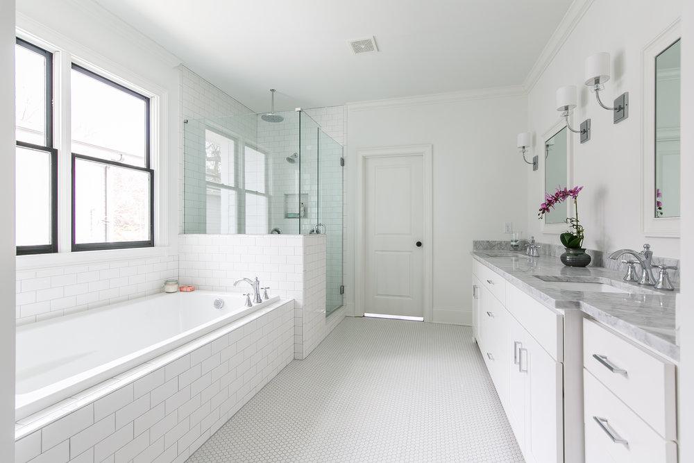 218 Kirkwood-Master Bath 1.jpg