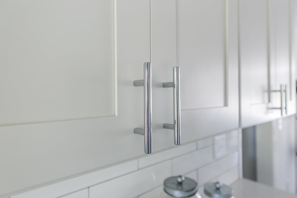 2105 Honeysuckle-Kitchen Hardware.jpg