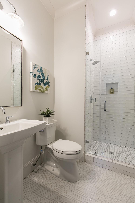 2711 Arbor-Guest Bath 2.jpg
