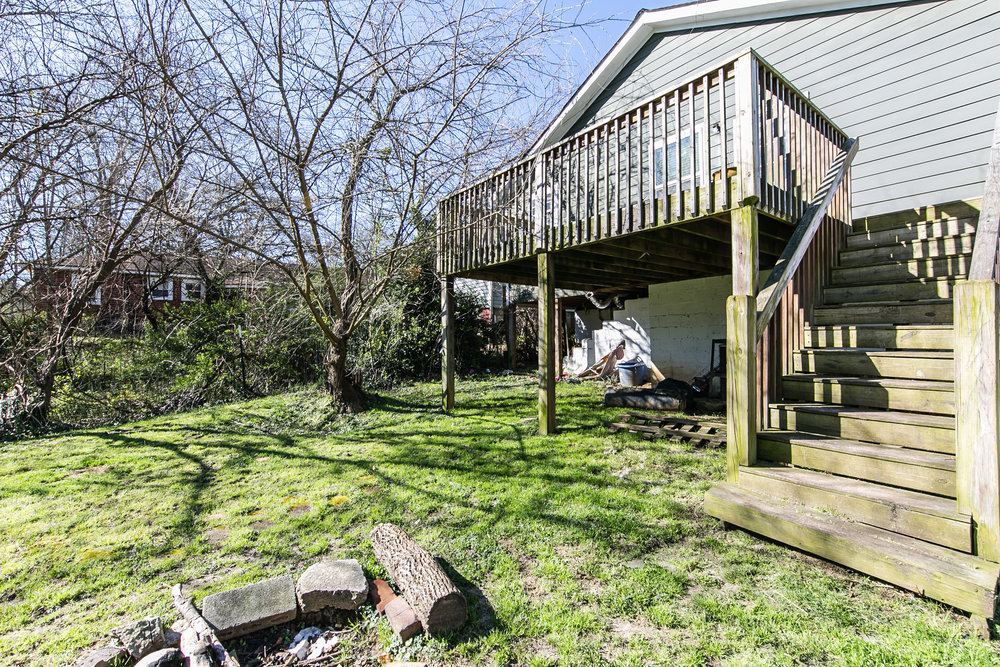 11 Montgomery-Backyard 1.jpg